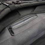 Sac à dos étanche - Ultralight 40L Dry Pack avec poche pour ordinateur portable amovible et poche passeport secrète de Cor Surf | le pack parfait pour les voyages ou les sports nautiques en plein air | Sac à dos pour homme de la marque COR Surf image 1 produit